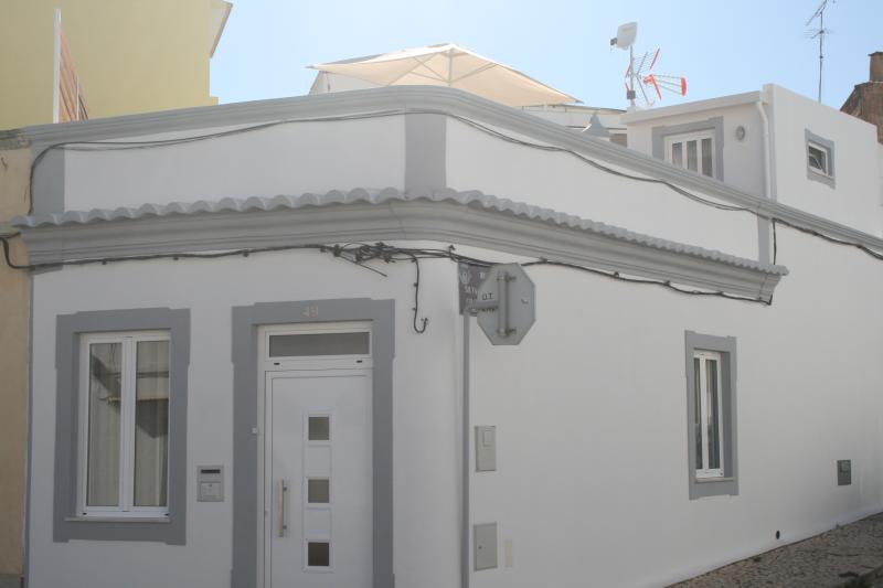 A CASA ALGARVIAN (Algarvian House) - Faro Downtown, holiday rental in Montenegro