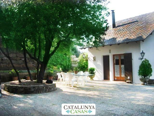 Catalunya Casas: Villa Sallent only 35 km from Barcelona and the beach!, vacation rental in Castellar del Valles