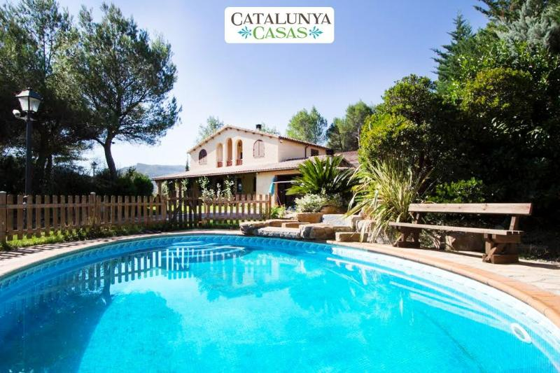 Catalunya Casas: Peaceful villa in Vacarisses, just 30 km of Barcelona center! – semesterbostad i Collbato