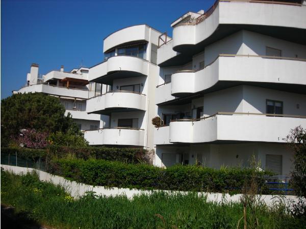 grazioso appartamento fronte mare, location de vacances à Santa Marinella