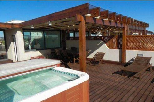 Maisonette Vila-Falesia, Dachterrasse mit Meerblick ,150 Meter vom Strand, alquiler vacacional en Olhos de Água