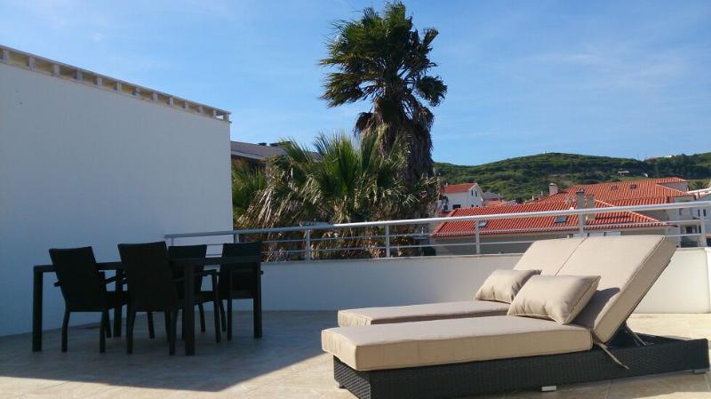Luxury Apartment - Sao Martinho do Porto, holiday rental in Serra da Pescaria