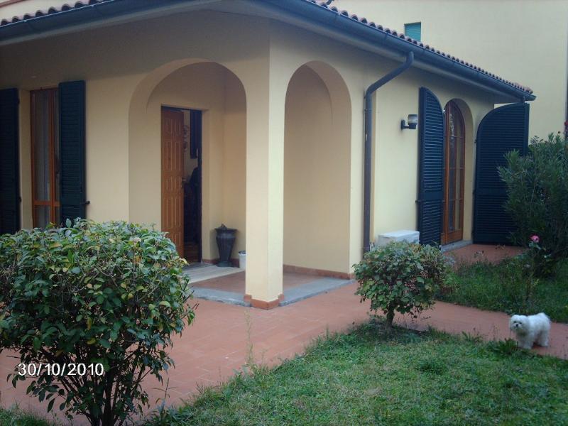 Villetta 3 p. - Villa 3 fl. garden, holiday rental in Carpineta