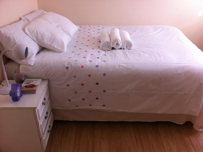iStudio 1, mins from exciting Westfield, holiday rental in Leyton