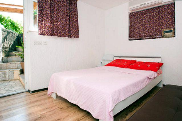 Adrian Krk apartment for two + one, vacation rental in Krk