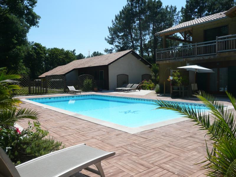 Gîte 2 pers piscine chauffée proche golf & océan1, holiday rental in Soustons
