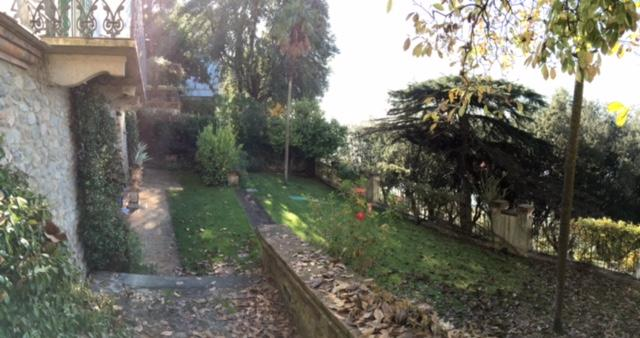 Luxury Panoramic View Apartment with Garden, location de vacances à Pieve a Nievole