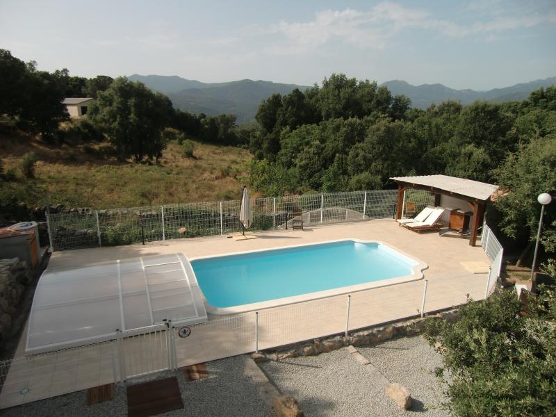 Le Hameau de VIGNACCIA, vacation rental in Petreto-Bicchisano