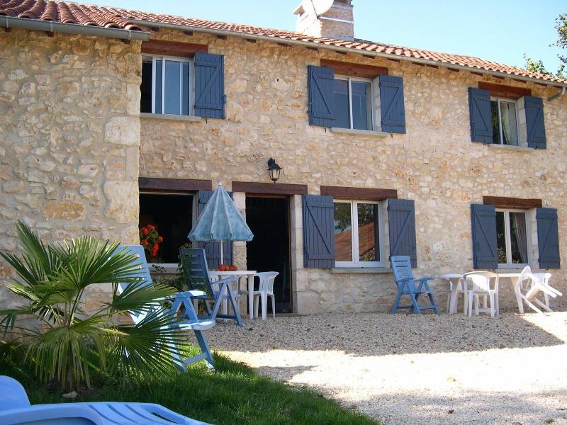 Maison de campage en dordogne, location de vacances à Cubjac