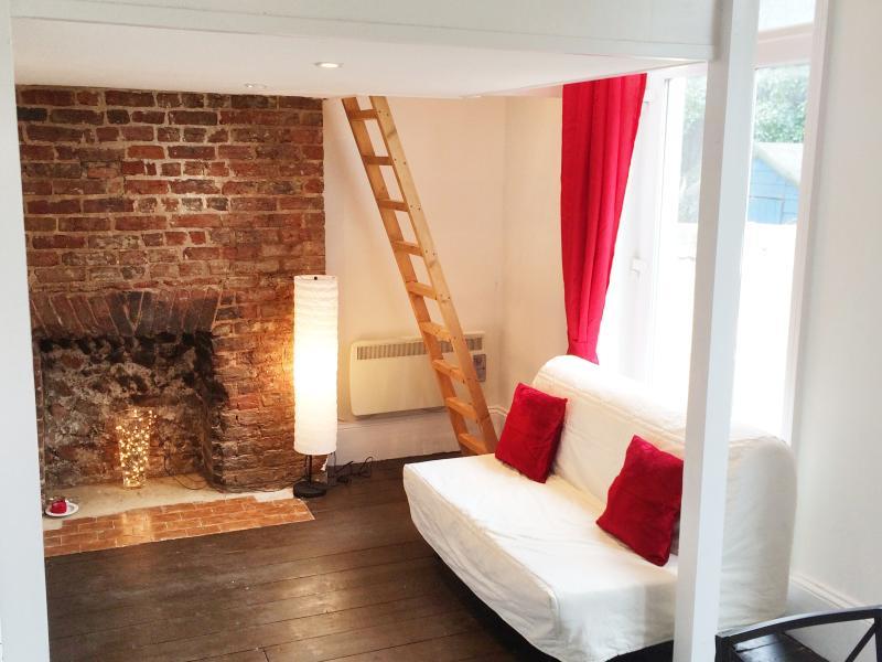 Central Boutique Studio - Sleeps 4, vacation rental in Brighton