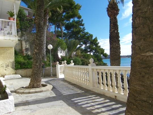 ***Paradiseadoc*** only 5 Meters  from the Beach