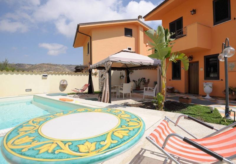 Casa Montalbano. Benvenuti, holiday rental in Porto Empedocle