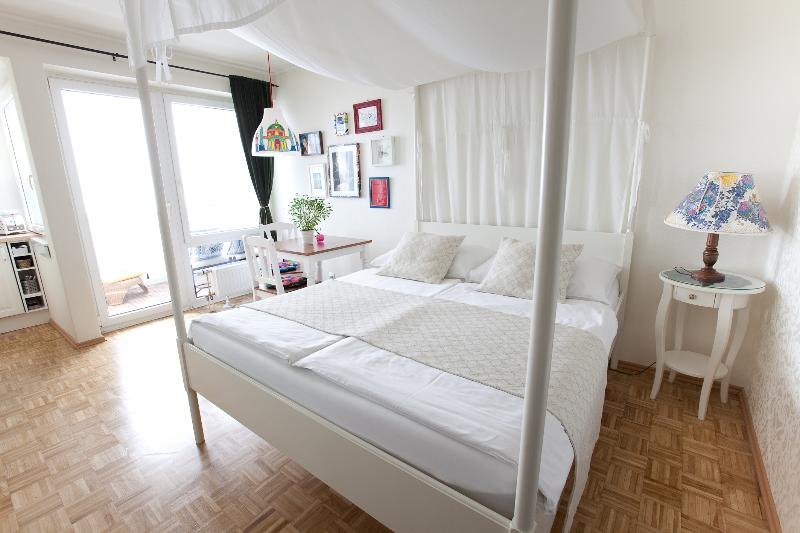 Apartment White