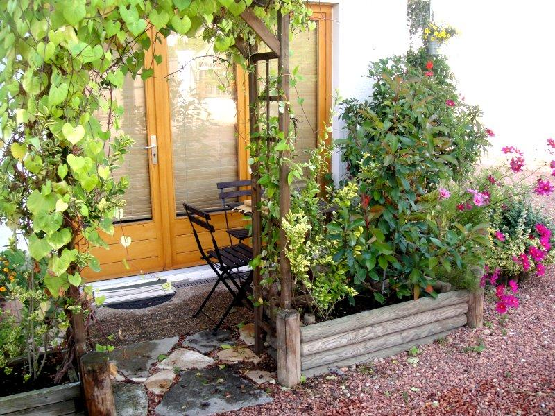 STUDIO, holiday rental in Pouilly-sous-Charlieu
