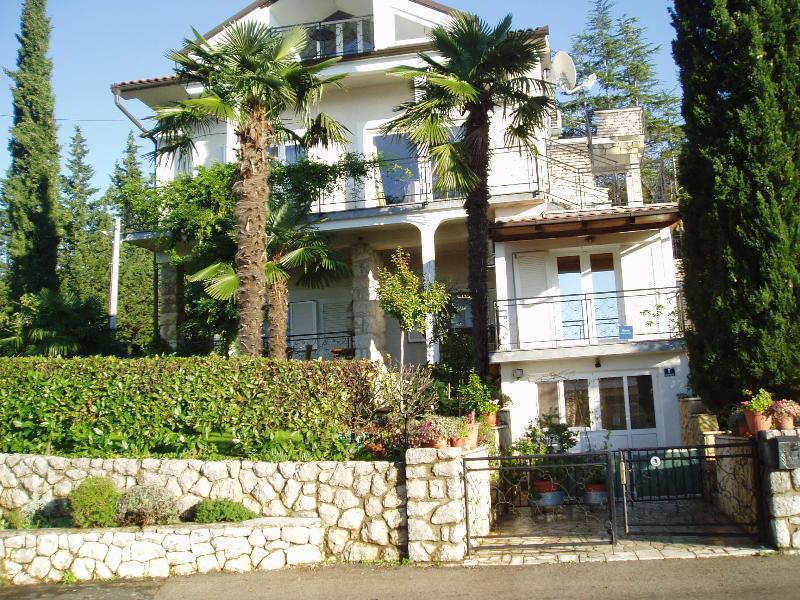 Villa Elizabet*** apartman 3, aluguéis de temporada em Malinska