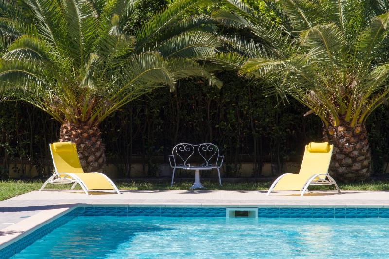 Relajarse bajo las palmeras