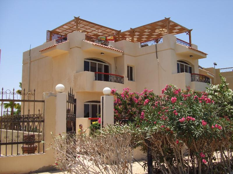 Haus direkt am Meer, holiday rental in Makadi Bay