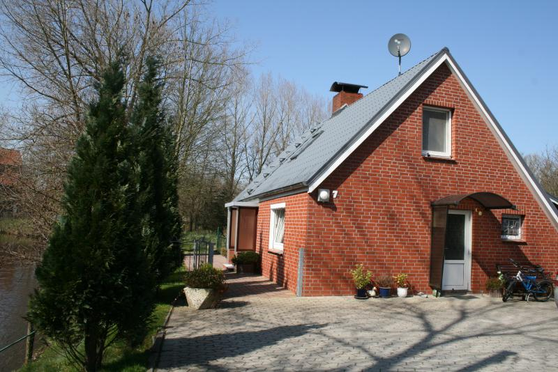Haus 'Flussblick' in Ihlienworth/ Bereich Cuxhaven, vacation rental in Lamstedt