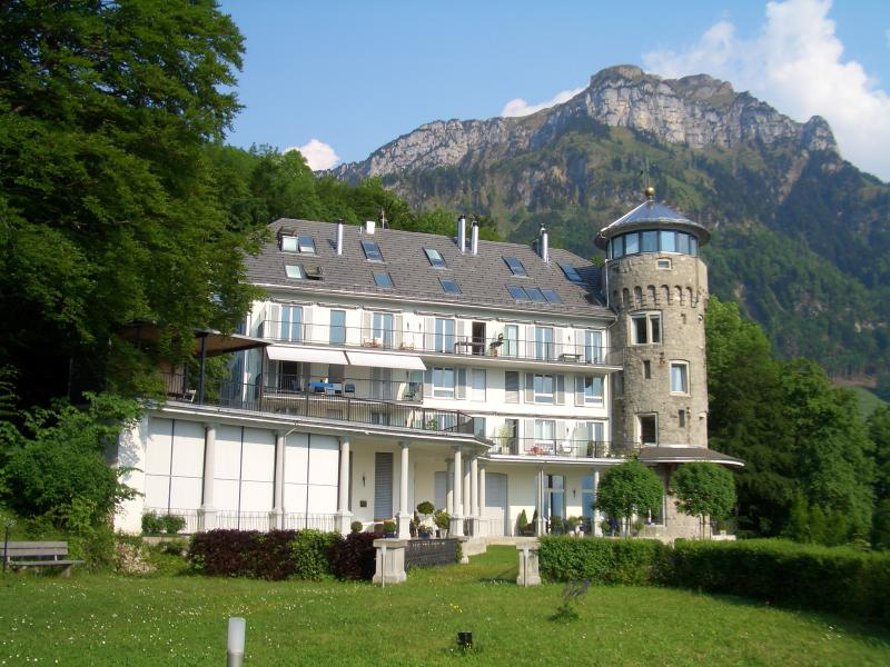 Relax at Axenstein, Lake of Lucerne, vacation rental in Muotathal