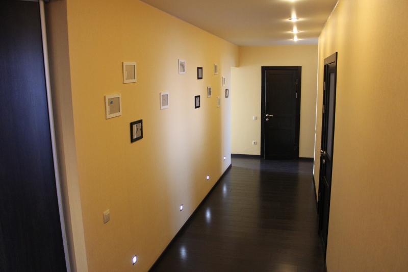 Spacious apartment in Novosibirsk, location de vacances à Sibérie