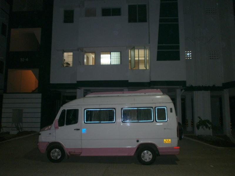 3 BED ROOMS FOR Rs 2800/day in melakottaiyur, vacation rental in Muttukadu