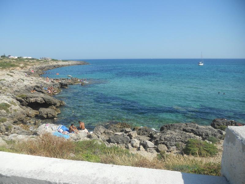 Appartamento ad 1,5 km di distanza dal Mar Ionio., holiday rental in Taranto