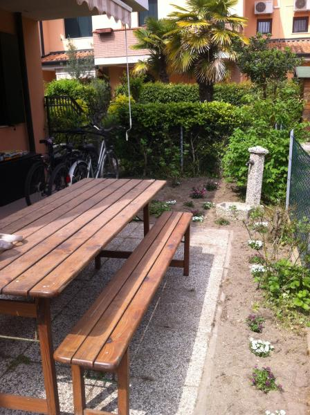 appartamento indipendente con giardino, vacation rental in Casalborsetti