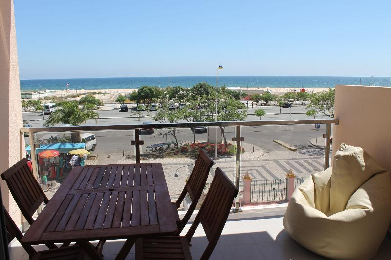 'VISTA MAR 1 e 2' - Beach View - up to 6 persons – semesterbostad i Monte Gordo