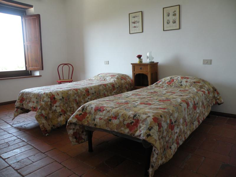 Old countryside house, vacation rental in Capranica - Scalo