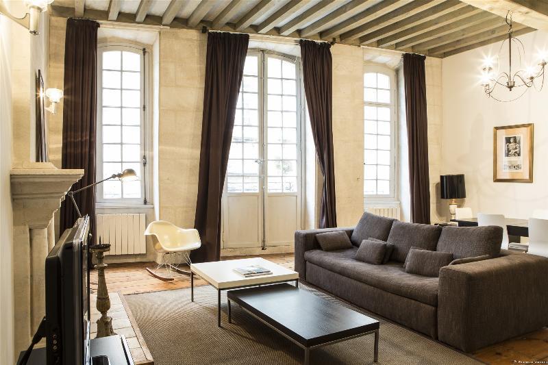Luxuary Apartment in historic heart of Bordeaux, aluguéis de temporada em Bordéus