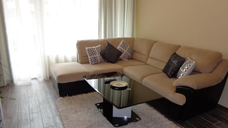 Luxury Apartment Lazur, holiday rental in Burgas