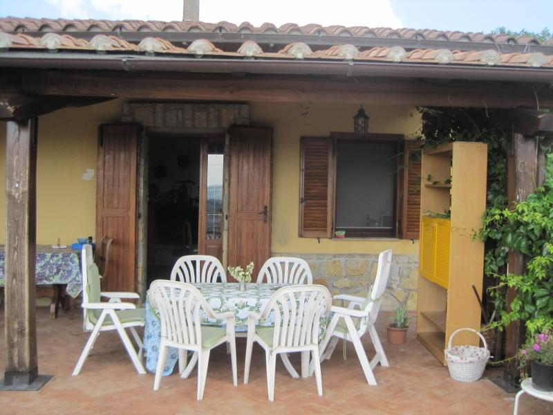 Casa nel verde dell'Umbria, holiday rental in Montegiove