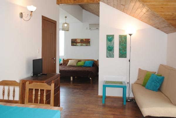Studio The Sunflowers - Pomorie, holiday rental in Pomorie