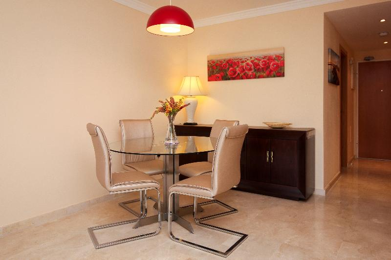 Luxury New Apartment Hercesa Calanova Golf LaCala, holiday rental in La Cala de Mijas