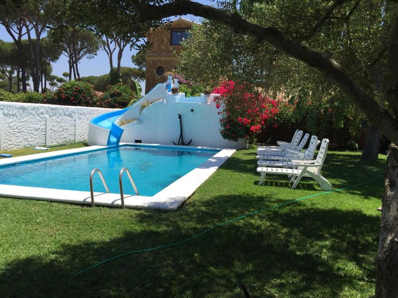 Bungalow con piscina (2), holiday rental in Chiclana de la Frontera