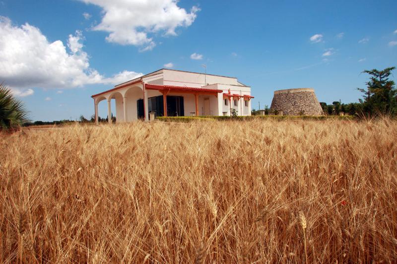 Feudo Mandurino - Salento Guest House, vacation rental in Serrano