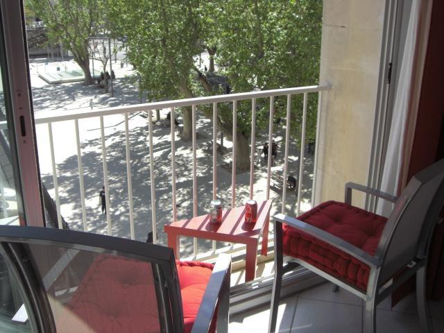 Coeur d'Avignon, charmant studio climatisé, wifi, holiday rental in Avignon