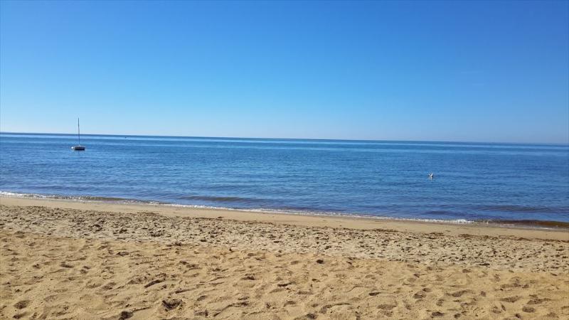 1/2 mile to beautiful South Sunken Meadow Beach!