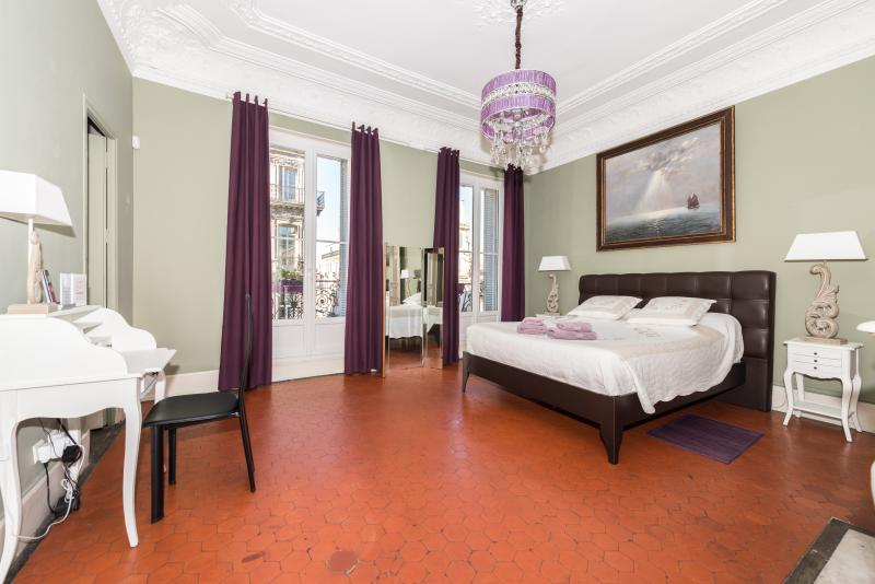 MAAM Lafon - Dans un bel appartement du 2nd Empire !, location de vacances à Marseille
