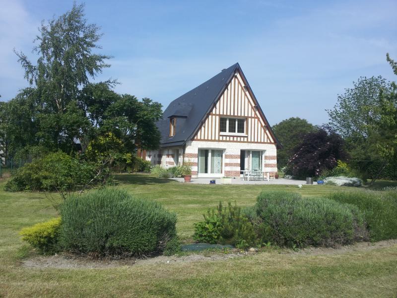Maison 5 étoiles en bord de Seine 8 Personnes, location de vacances à Saint-Paër