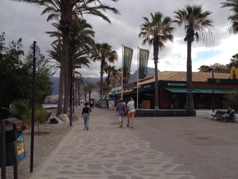 front promenade