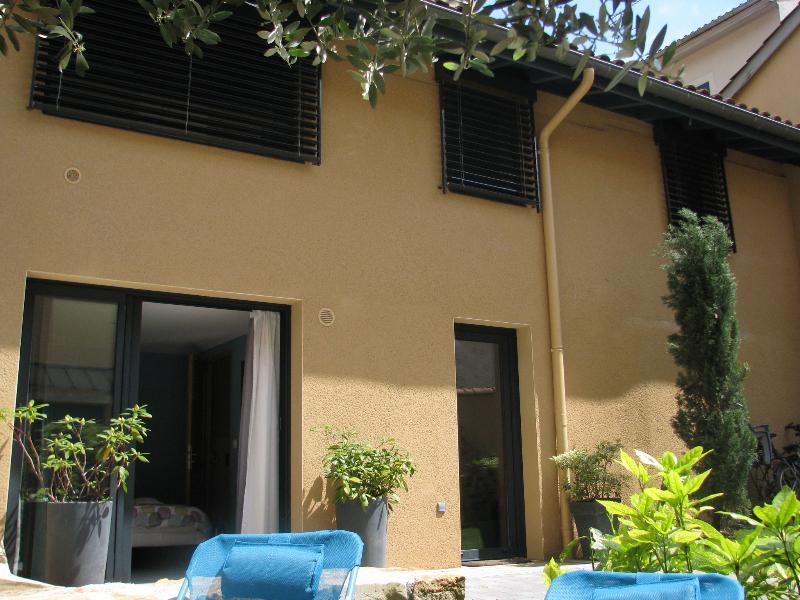 Maison d'hôtes Côté Saône - La campagne à la ville !, aluguéis de temporada em Lozanne