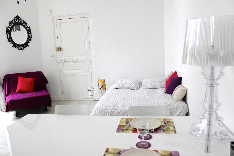 Grand & charmant studio Nantes Centre (graslin), vacation rental in Nantes