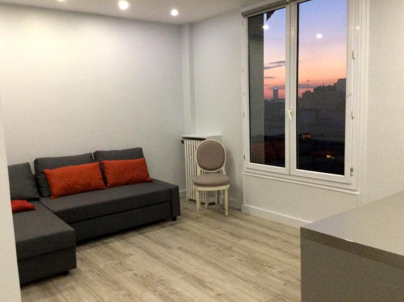 Gorgeous flat in Paris, 4 people, location de vacances à Ivry-sur-Seine