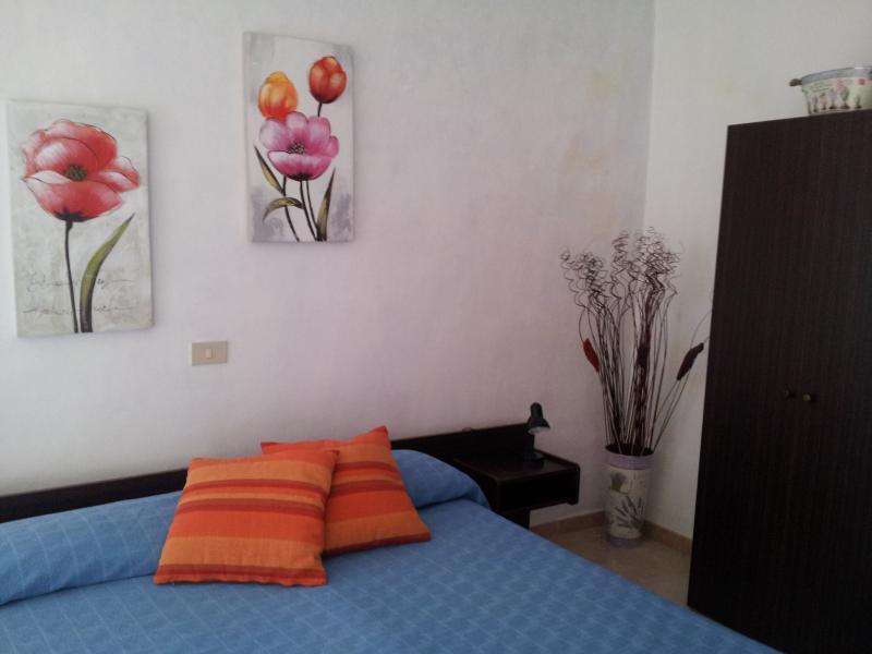 PREZZO ECONOMICO - APPARTAMENTO 'LAVANDA', vacation rental in Diano Borello