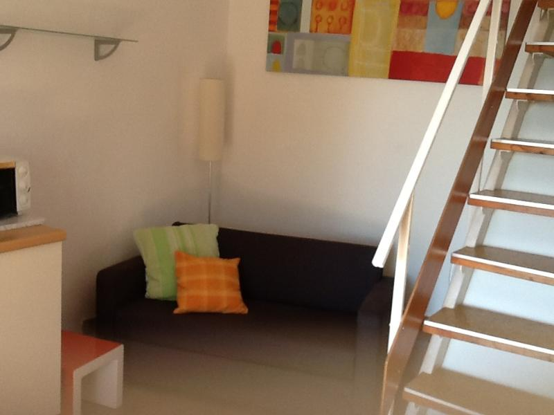 Grazioso Bi-locale in Affitto, holiday rental in Volterra