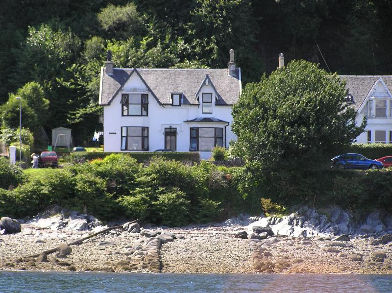 The house from the water, the apartment is on the upper floor