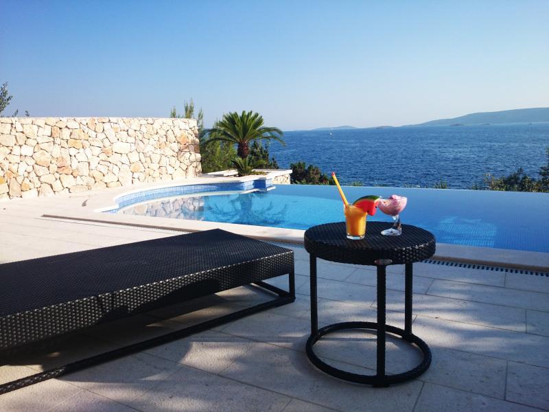 Luxury Villa Vesna, alquiler de vacaciones en Okrug Donji