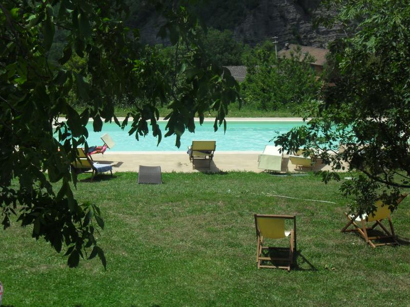 BORGO PIANELLO **** Holiday Homes & Winery - Tuscany Border, vacation rental in Chiesina-Farne