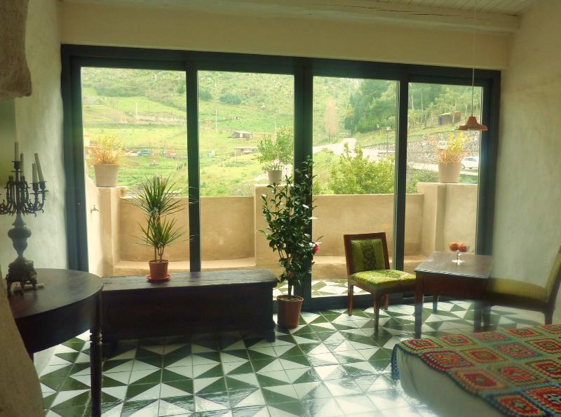 DIMORA DEI FRATI private hotel a 10 Km da Cefalù, vacation rental in Isnello